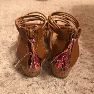 147a29788 Justice Shoes - Too cute Girls Justice sandals - Size 1